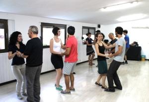 Salsa dance classes for romantic getaway